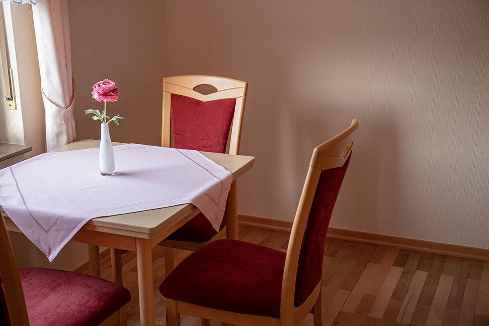 Doppelzimmer Frühstücksraum